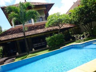 Villa Viona3, 2Bdr. Oberoi, Seminyak - Seminyak vacation rentals