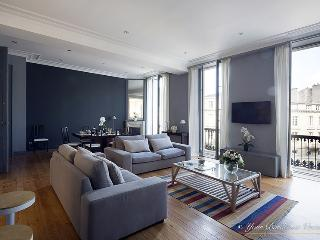 "Magnificent Three bedroom apt ""Triangle d'Or"" - Bordeaux vacation rentals"
