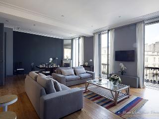 "Magnificent Three bedroom apt ""Triangle d'Or"" - Bordeaux vacation rentals"