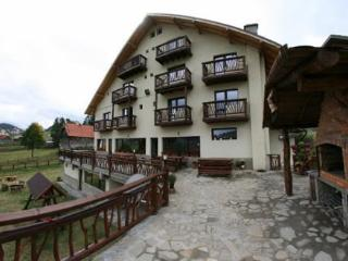 Nice 13 bedroom Guest house in Fundata - Fundata vacation rentals