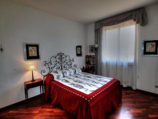 Bedroom Gio in Tuscany Villa Bagnoro - Arezzo vacation rentals