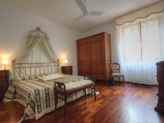 Bedroom  Gloria in Tuscany Villa Bagnoro - Arezzo vacation rentals