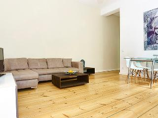 467Stylish Apartment in Mitte near Rosenthaler Pla - Berlin vacation rentals