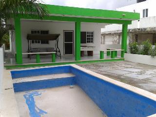 House with pool in Chicxulub   Casa en chicxulub con piscina - Chicxulub vacation rentals