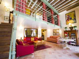 Paris Vacation Rental at Louvre Palais Royal (FREE TRANSPORT) - Paris vacation rentals