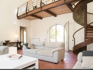 Perfect 7 bedroom Villa in Campagnano di Roma with Internet Access - Campagnano di Roma vacation rentals