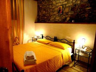 """case vacanze """"Santa Lucia"""" - Caccamo vacation rentals"""