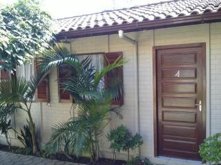 1 bedroom apartment   Apartamento 1 dormitório - Florianopolis vacation rentals