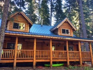 Lakeside Summer Log Cabin - Klamath Falls vacation rentals