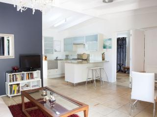 Elegant Village Setting Garden Apartment - Cairns vacation rentals
