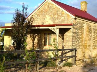 Lovely House with Garden and Kettle - Moonta vacation rentals
