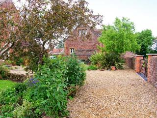 THE COACH HOUSE, beamed apartment, rural views ideal couple or small family, North Newton, Bridgwater Ref 913052 - Bridgwater vacation rentals