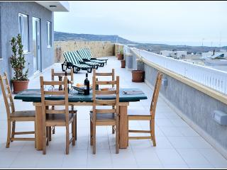 mgarr penthouse 5 mins drive from beach - Mgarr vacation rentals