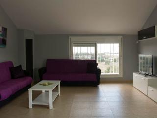Sunny 3 bedroom Chalet in Dos Hermanas - Dos Hermanas vacation rentals