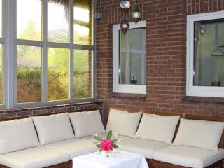 2 bedroom Apartment with Internet Access in Bad Zwischenahn - Bad Zwischenahn vacation rentals