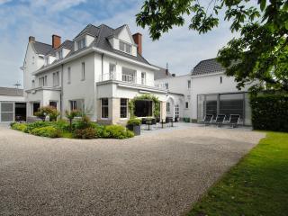 Sleutelhuys, history and comfort combined - Tielt vacation rentals