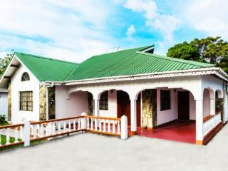Cozy Fully Air Conditioned Villa, Jacuzzi & WiFi - Soufriere Mountains vacation rentals