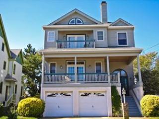 108 Howard 3376 - Image 1 - Cape May - rentals