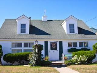 One Block to Beach 106358 - Image 1 - Cape May - rentals