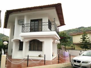 Luxurious 3BHK Bungalow in Lonavala - Karjat vacation rentals