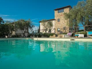 Spacious 6 bedroom Villa in Candeli - Candeli vacation rentals