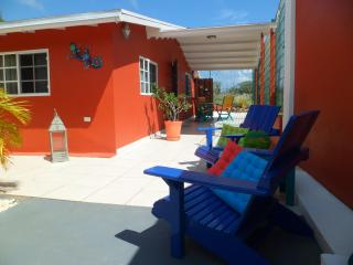 ARUBA JEWEL, simple elegance in a relaxed atmosphe - Oranjestad vacation rentals