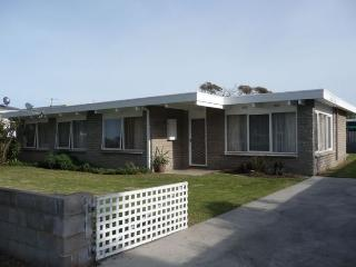 WANDER IN TO BULMERS - Lakes Entrance vacation rentals