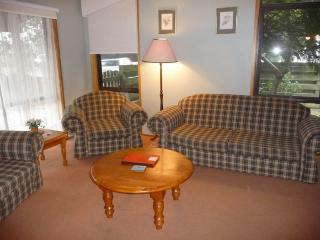 LOWES - Lakes Entrance vacation rentals