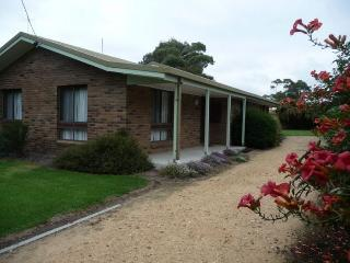 DEPPELER'S - Lakes Entrance vacation rentals