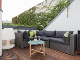 Modern Vacation Rental with Terrace and Jacuzzi in Berlin - Berlin vacation rentals