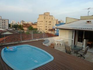 COBERTURA COM PISCINA E CURRASQUEIRA  NA ENSEADA - Guaruja vacation rentals