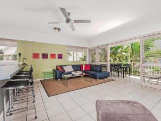 Riverside Noosa - Poolside apartment - Noosaville vacation rentals