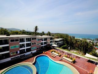 Perfect Karon Beach Apartment rental with Internet Access - Karon Beach vacation rentals