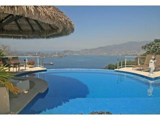 ACA - SUITE DOS TOROS - Acapulco vacation rentals