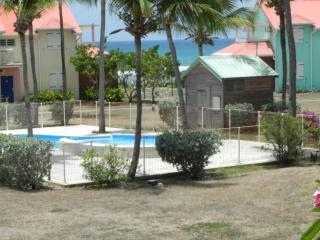 T3 vue mer belle résidence accès direct plage - Saint-François vacation rentals