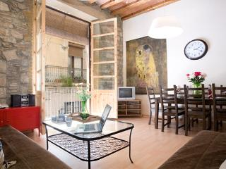 Up to 10! BORN AREA, 5 mins walking to Ramblas! - Barcelona vacation rentals