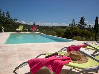 Villa with infinity pool and views South France - Faugeres vacation rentals