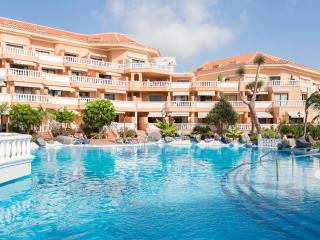 Tenerife Royal Gardens sea view and pool - Playa de las Americas vacation rentals