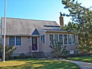Spacious 4 bedroom Cape May Point House with Deck - Cape May Point vacation rentals
