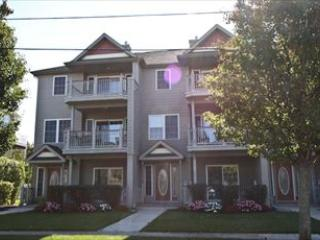 4 bedroom Apartment with Deck in Cape May - Cape May vacation rentals
