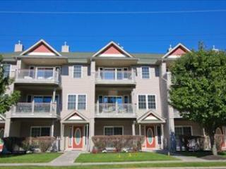 Large Condo with Pool 92561 - Image 1 - Cape May - rentals