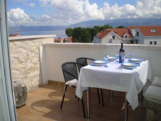 Penthouse apartment Millie - Milna vacation rentals