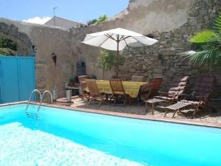 Lespignan holiday rental house France with pool near beaches sleeps 10 - Lespignan vacation rentals