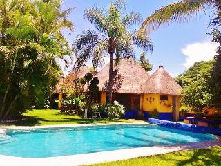 Tropical B&B 6 bedrooms -  15 min from Cuernavaca - Central Mexico and Gulf Coast vacation rentals