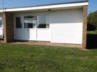 Charming, roomy Chalet  rent/hire, Hemsby,GreatYarmouth,Norfolk Broads - Hemsby vacation rentals