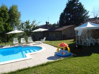 Bright 4 bedroom Farmhouse Barn in Parrano - Parrano vacation rentals