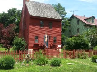 Nice House with Paper Towels Provided and Stove - Greenwich vacation rentals