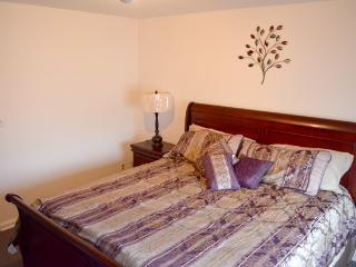 2 Bedroom Home in the Kew Garden Hills Queens - Flushing vacation rentals