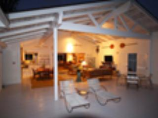 3 bedroom House with Deck in Kailua - Kailua vacation rentals
