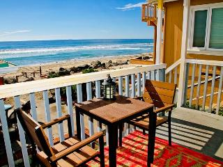 Lovely beach condo with full kitchen, bbq, semi-private beach area P5161-2 - Oceanside vacation rentals
